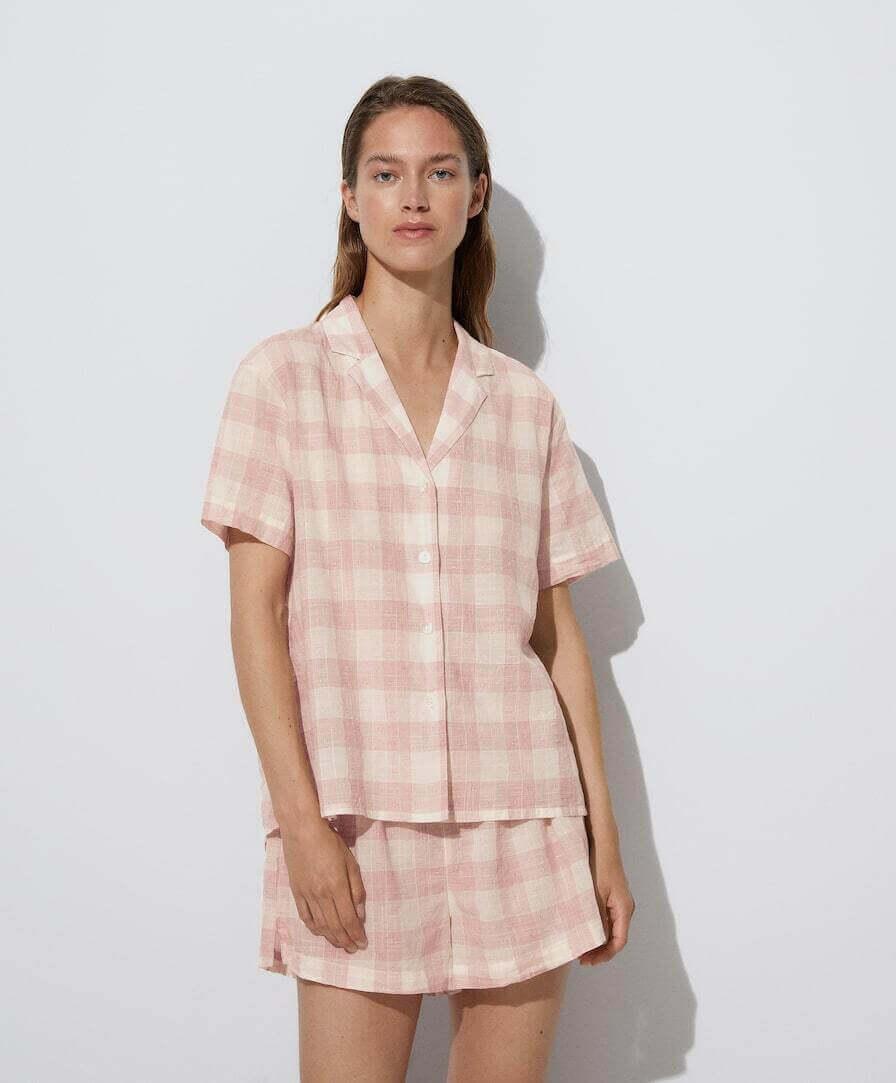 Camisa de noite padrão xadrez branco e cor de rosa da oysho